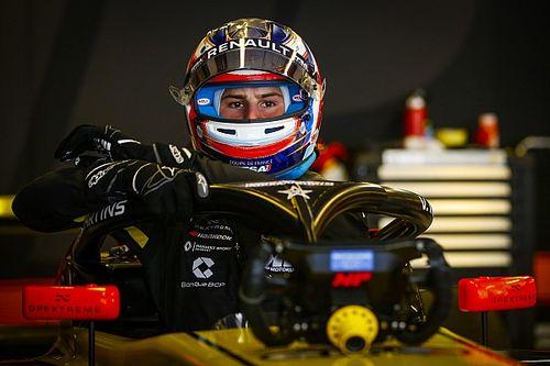 Martins lidera el primer día de pruebas de F3 en Barcelona