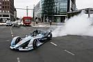 Formula E GALERI: Rosberg uji coba mobil baru Formula E