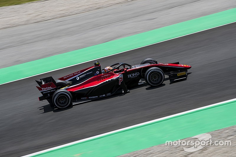 F2 Barcelona: Aitken kuasai sprint race, Gelael naik 9 posisi