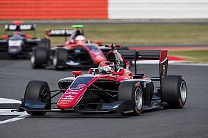 GP3 Crónica de Carrera George Russell vence en la carrera 1 en Silverstone