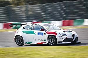 L'Alfa Romeo torna sul tetto del mondo, Kevin Ceccon trionfa in Gara 1 a Suzuka!