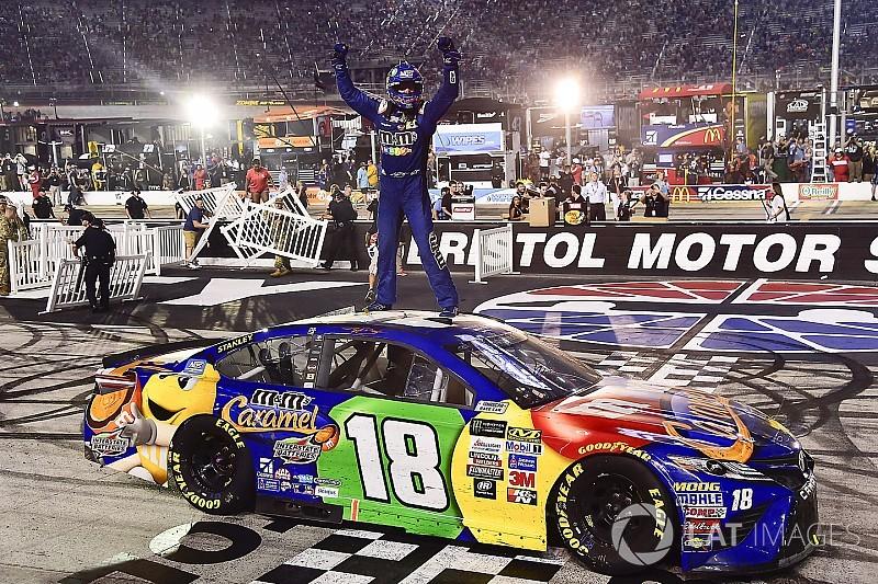NASCAR 2017 in Bristol: Kyle Busch schafft den Hattrick