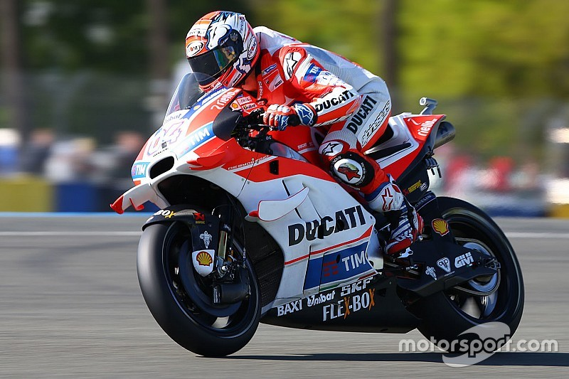 will choose dovizioso for 2017, says crutchlow