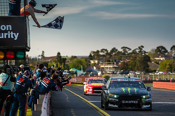Supercars Waters et Stanaway s'imposent à Sandown
