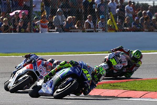 MotoGP Rossi-Dovizioso tak terpengaruh pesan 'Marquez Out'