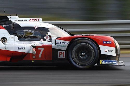 24h Le Mans, 9a Ora: Toyota in fuga, lotta Aston-Ferrari