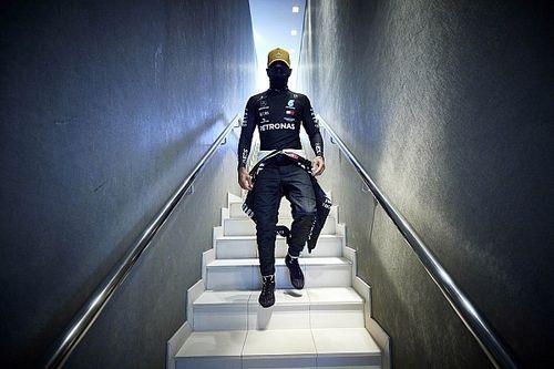 Miért ragaszkodik a Mercedes Lewis Hamiltonhoz?