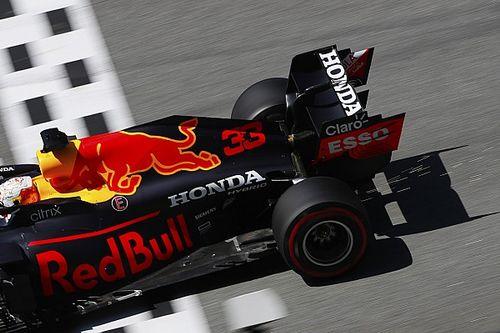 """Verstappen """"satisfait d'être si proche"""" des Mercedes"""