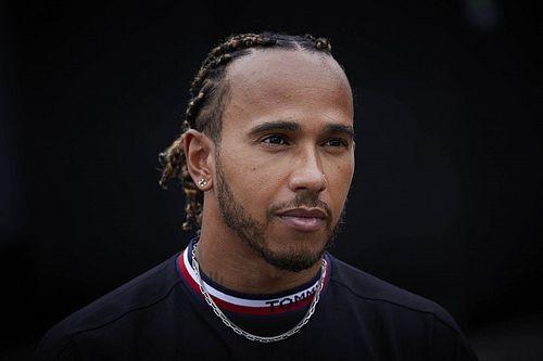Hamilton arról érdeklődött, miért nem büntették meg a Red Bullt