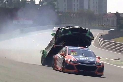 VÍDEO: Veja como foi o acidente assustador de Gaetano di Mauro em Interlagos