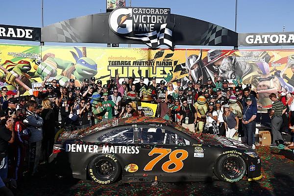 NASCAR Cup La Chase si apre con la vittoria di Martin Truex Jr a Chicagoland