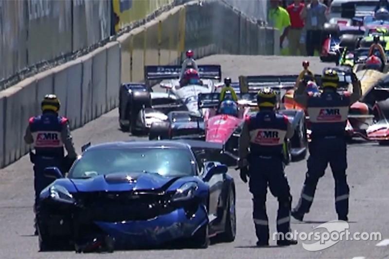 VIDEO: Accidente del Pace Car pospone inicio de la carrera