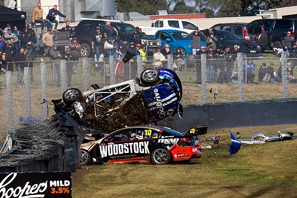 Supercars Sandown 500: Massive crash stops first qualifying race