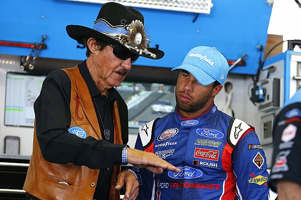 Almirola: Wallace can't afford to