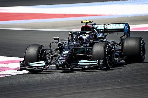Mercedes опередила Red Bull на первой тренировке во Франции