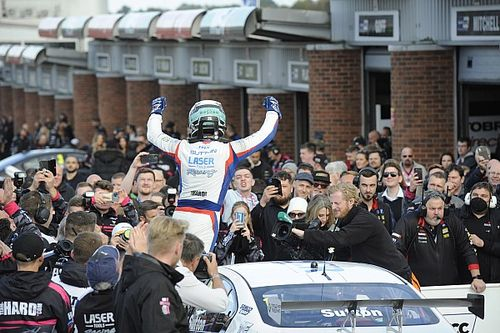 Brands Hatch BTCC: Sutton closes out season with Race 3 win