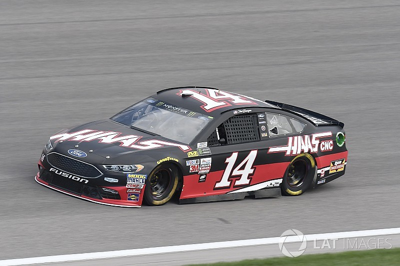 Bowyer looks for redemption at Kansas after Talladega frustration