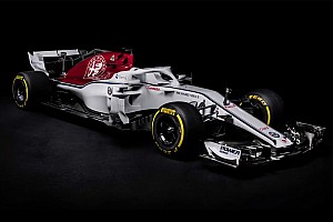 Sauber reveals Alfa Romeo-backed C37