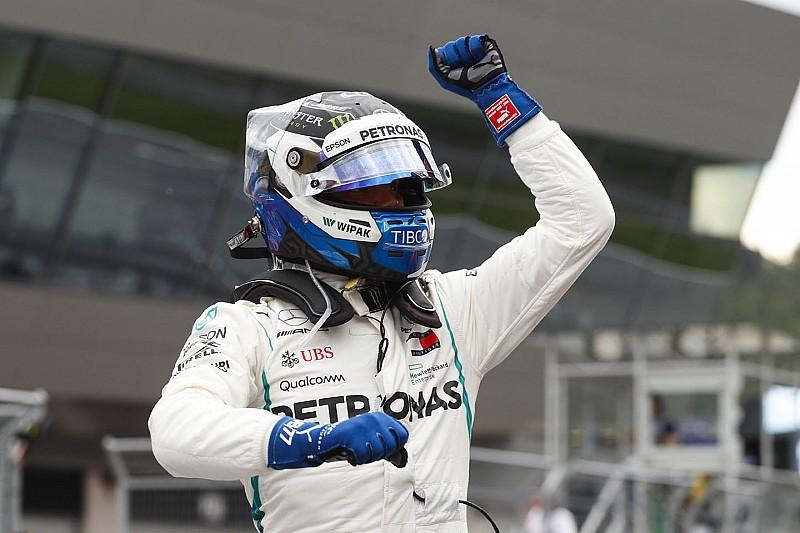 Bottas lidera un 1-2 para Mercedes en la parrilla de Austria