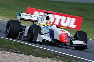 Formula V8 3.5 Résumé de course Álex Palou fait sensation au Nürburgring