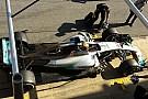 F1-Tests Barcelona: Motorkühlung durch Kamin auf Finne bei Mercedes