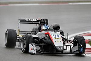 EUROF3 Qualifiche Hughes e Ilott si dividono le pole nel diluvio del Nurburgring