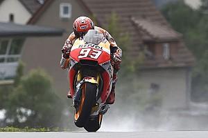 MotoGP Crónica de Clasificación Márquez se lleva la pole a pesar de un encontronazo con Viñales