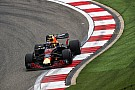Verstappen à sa place, Ricciardo miraculé, Red Bull secoué