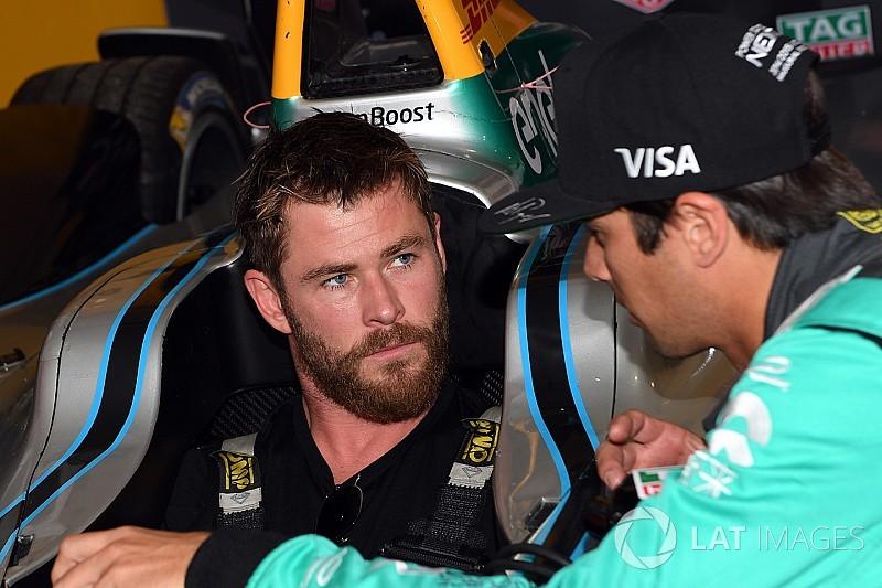 """Indy 500'de yeşil bayrağı Rush filminin """"Hunt'ı Hemsworth sallayacak"""