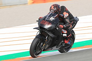 """Lorenzo tras bajarse de la Honda en Cheste: """"Estoy muy contento"""""""