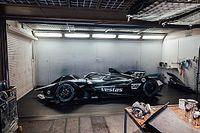 F-E: Mercedes mantém Vandoorne e de Vries e volta à pintura prata para 2021