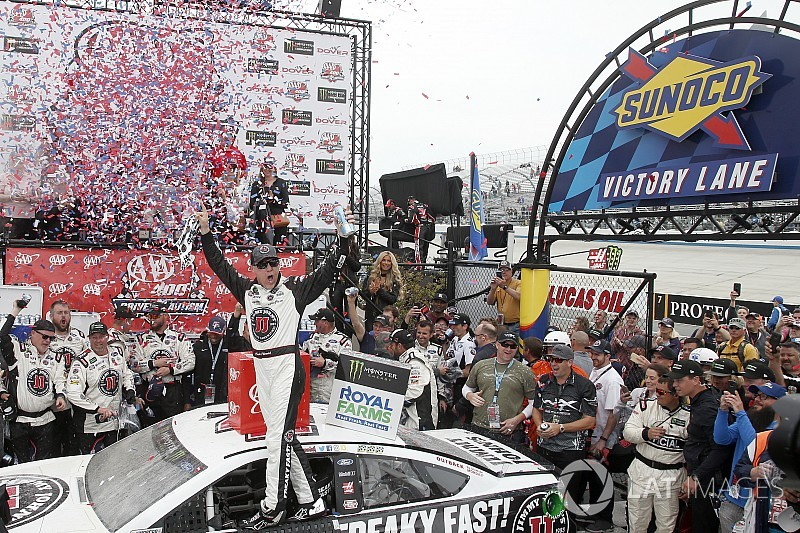 Kevin Harvick dominates in SHR 1-2 at Dover