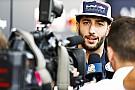 Forma-1 Ricciardo szívesen lenne a fénykorában lévő Hamilton csapattársa