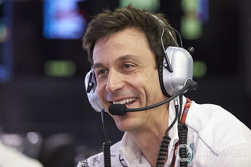 """Wolff: """"Vettel ha montado el cuarto turbo, difícil que llegue al final"""""""