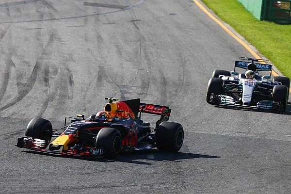 Formula 1 Breaking news Hamilton pitstop lebih awal karena kesulitan dengan ban