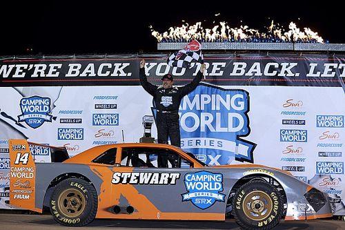 Tony Stewart goes from last to first in Eldora SRX win