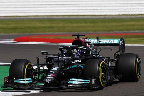 Hamilton helped by unprecedented F1 sim session on Friday