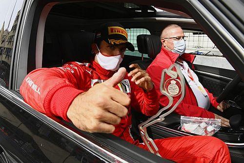 Sainz Berkembang Cepat dengan Ferrari berkat Kritik Sang Ayah