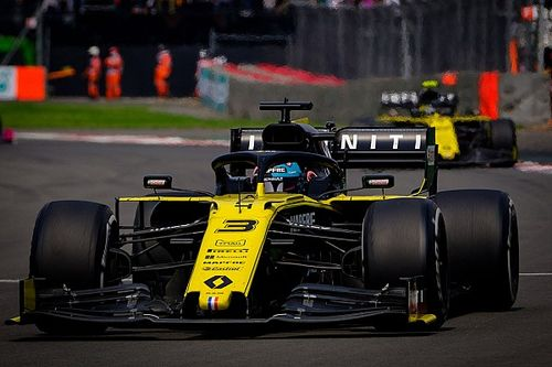"Ricciardo's arrival left Renault F1 team ""naked"""