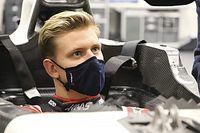 Mick Schumacher pasó cuarentena para hacerse el asiento del Haas