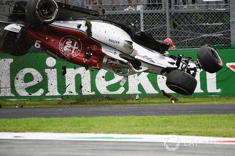 «Надеюсь, Формула 1 от нее откажется». Сайнс назвал DRS опасным устройством
