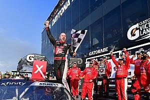 Michael Annett logra su primera victoria de Xfinity en Daytona