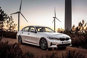 BMW представила гібридну версію нової 3 Series