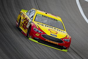 Joey Logano takes Stage 1 win at Kansas