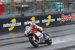 MotoGP Trainingsbericht MotoGP 2017 in Le Mans: Dovizioso im Regen vorn, Miller Schnellster
