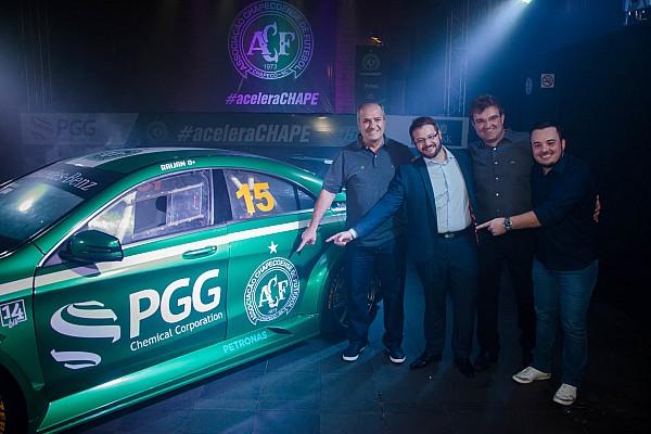 General Chapecoense presenta coche para el Mercedes-Benz Challenge