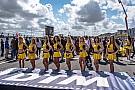 Галерея: дівчата DTM в дюнах Занворту