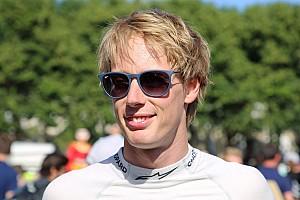 IndyCar Últimas notícias Neozelandês aparece como provável substituto de Kanaan