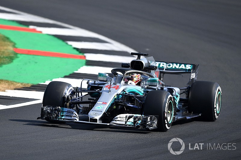 British GP: Hamilton leads FP1, trouble for Verstappen