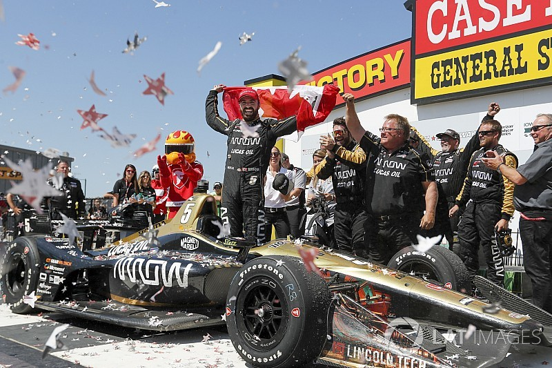 """Hinchcliffe: Not pitting under final yellow was a """"tough call"""""""